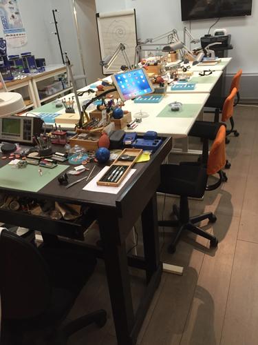 Atelier Parisien d'Horlogerie > le stage découverte Atelier